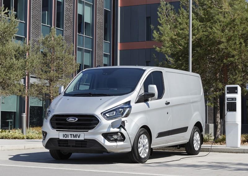 Le Ford Transit hybride rechargeable enfin présenté !