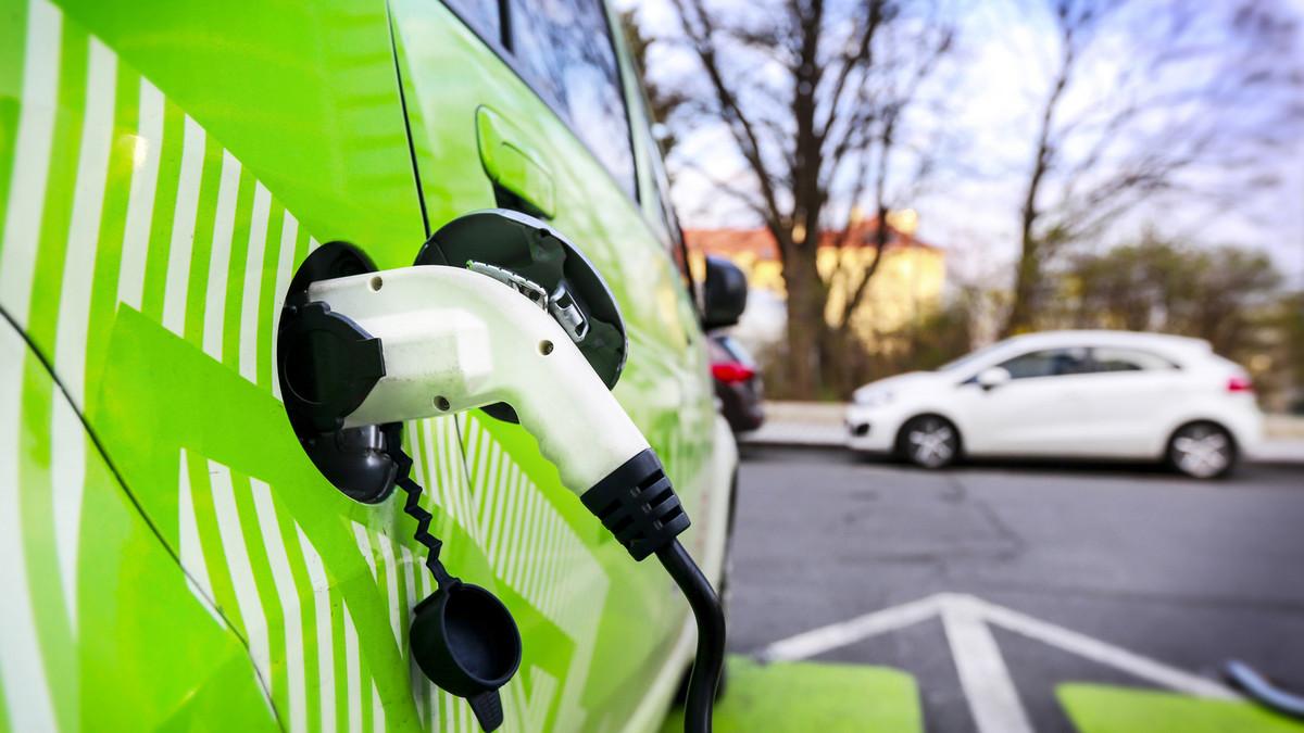 France : vers une interdiction de vente de véhicules Diesel et essence à horizon 2040 ?