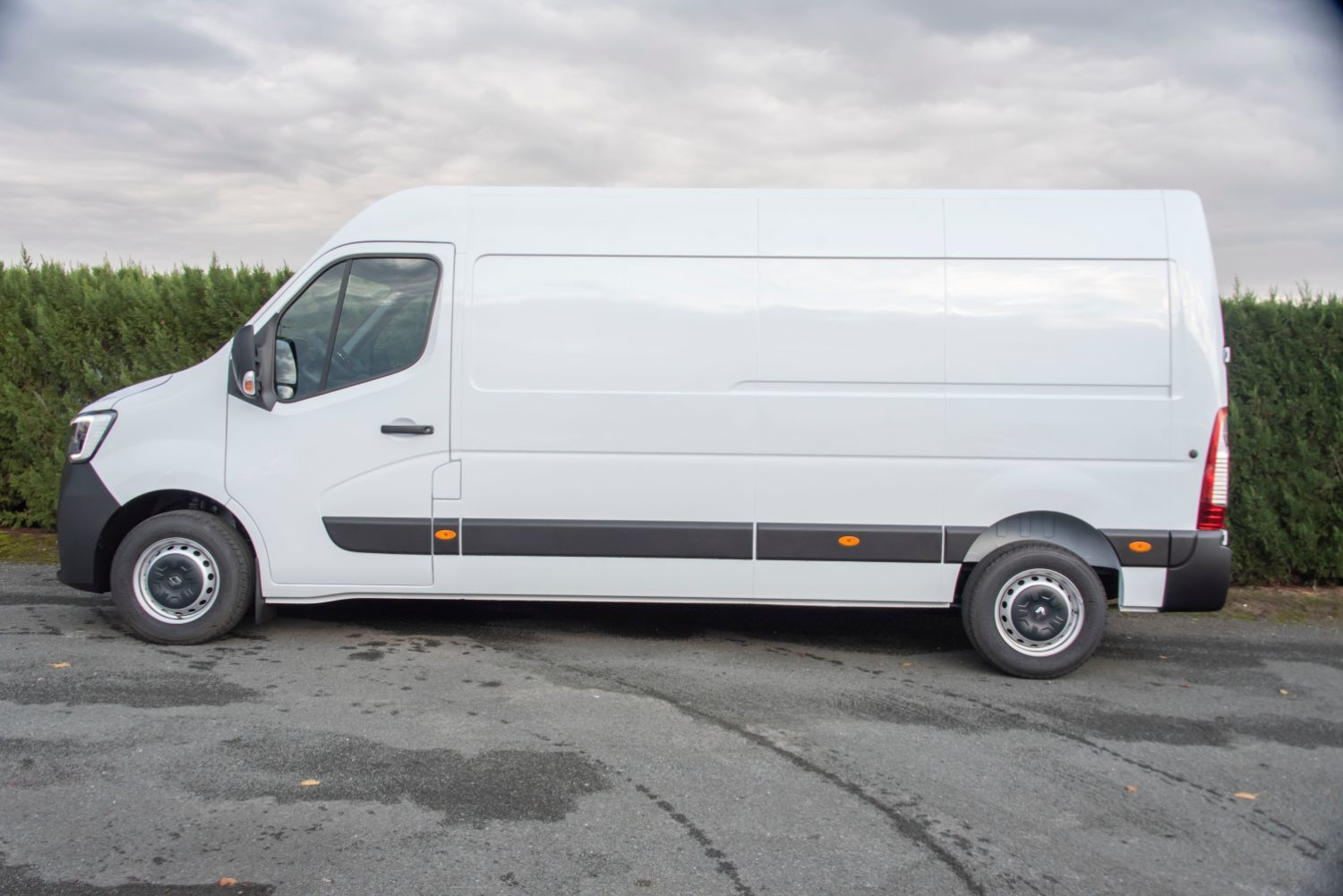 RENAULT MASTER L3H2 3500 2.3L DCI 150 CH GRD CFT NAV 315 € HT/MOIS