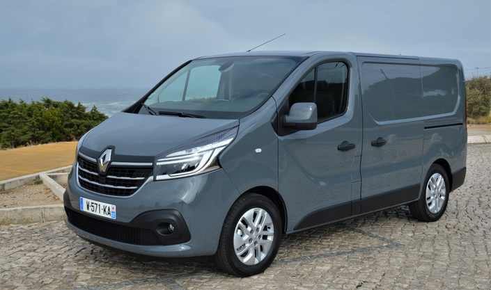 RENAULT TRAFIC III RESTYLISE (fin 2019) : Bien sous tous rapports