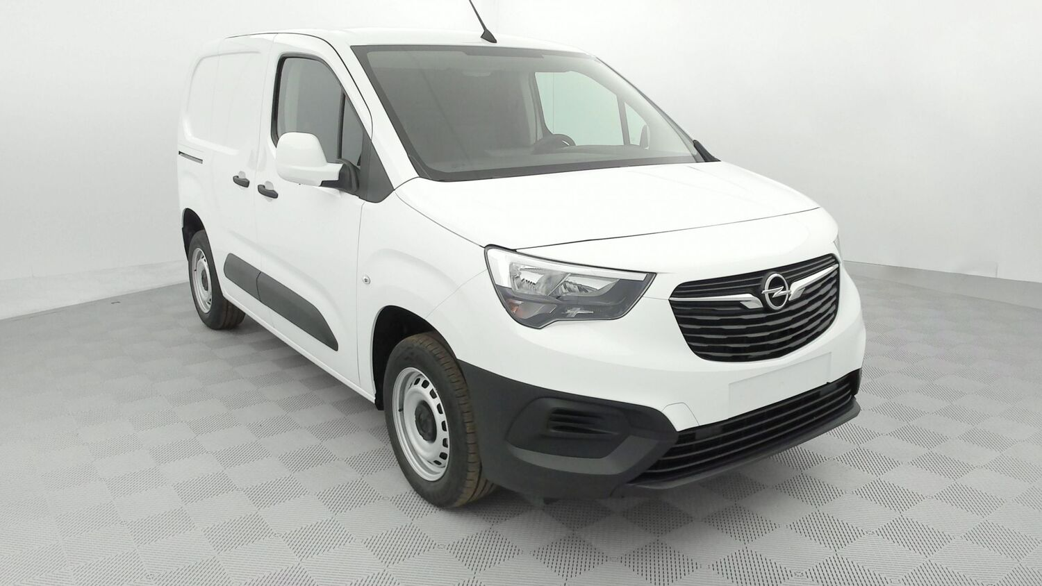 OPEL COMBO L1 3 PLACES 1.5L TD 100 CH STD PACK CLIM 257 € HT/MOIS